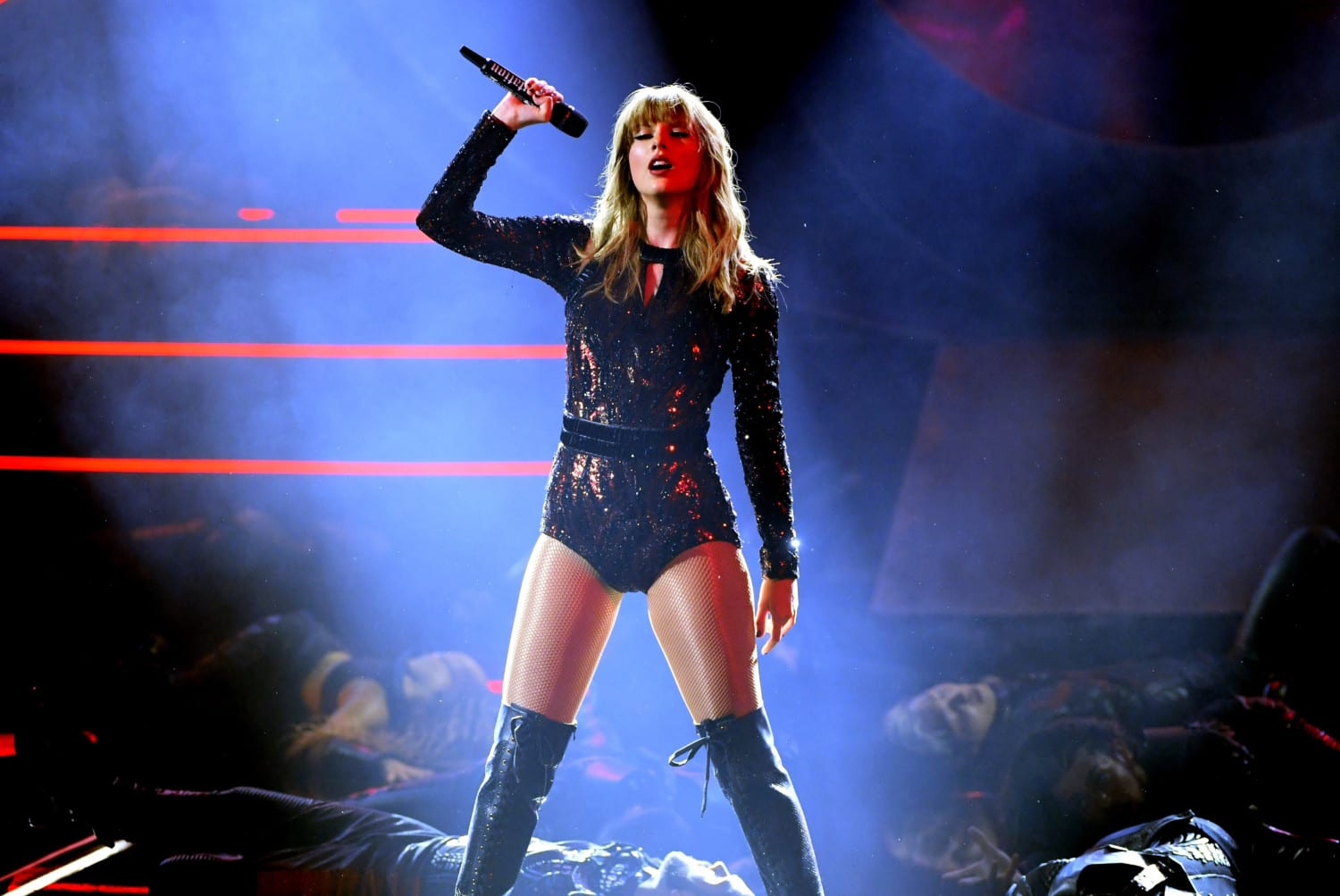 Taylor Swift Says New Music Will Have 'Political Undertones' - Chicks On The Right
