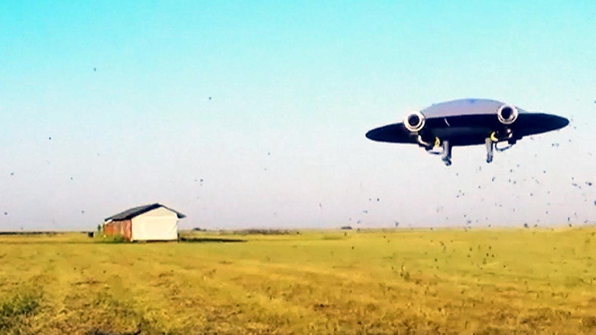 B-Movie-Style: Die fliegende Untertasse wird real - Video - WELT