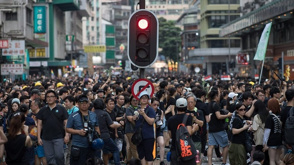 Hong Kong protest: 'Nearly two million' join demonstration - BBC News