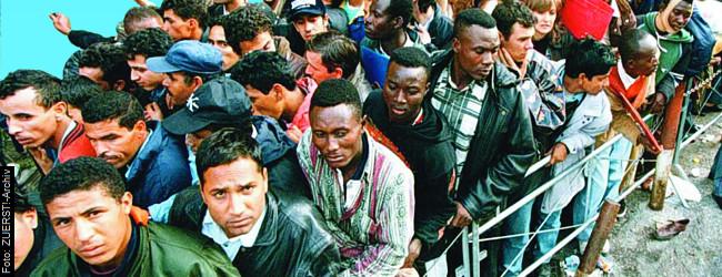 """Griechenland – offenes Tor in die EU: Allein im Mai kamen über 13.000 """"Flüchtlinge""""  ZUERST!"""