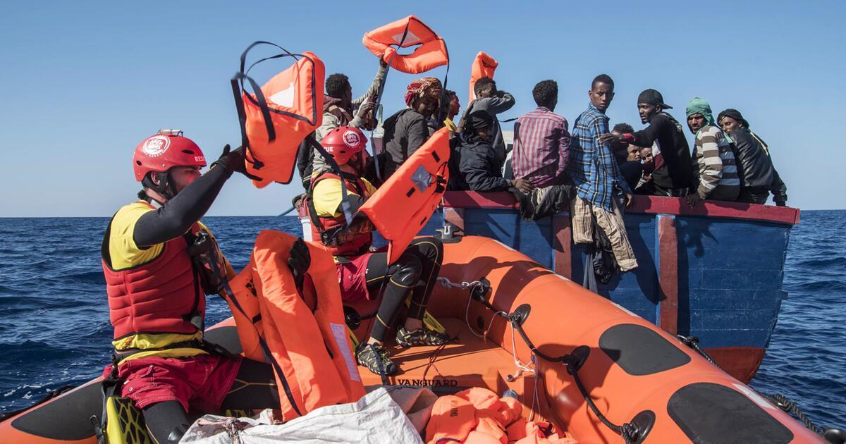 Italien stellt die Rettung von Migranten unter Strafe - Dekret verabschiedet | WEB.DE
