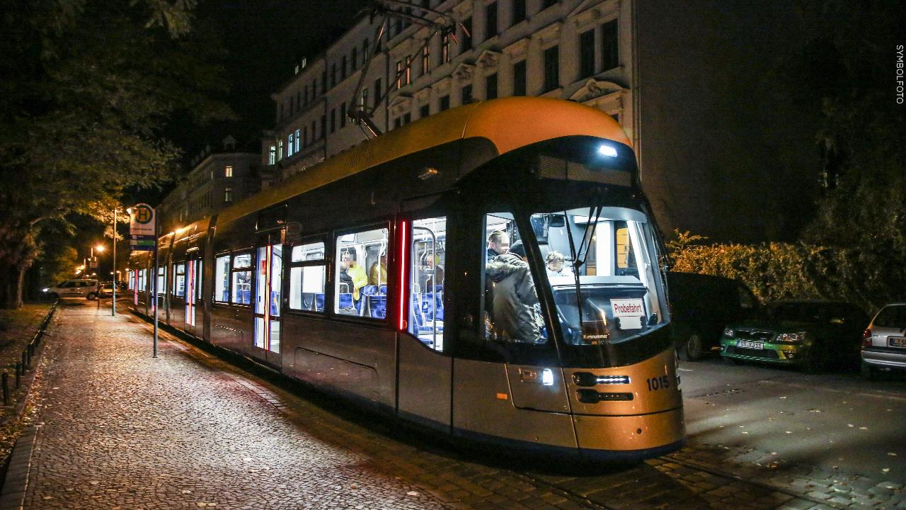 Leipzig: Mann würgt Säugling in Straßenbahn  -  Leipzig -  Bild.de