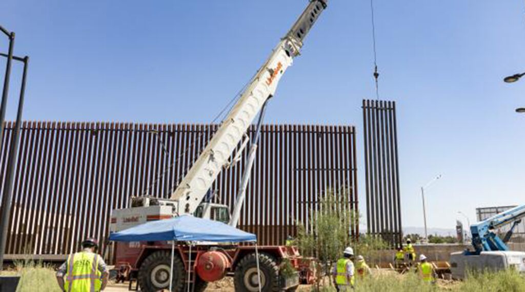 Supreme Court paves way for Trump administration to use military funds for border wall | Fox News
