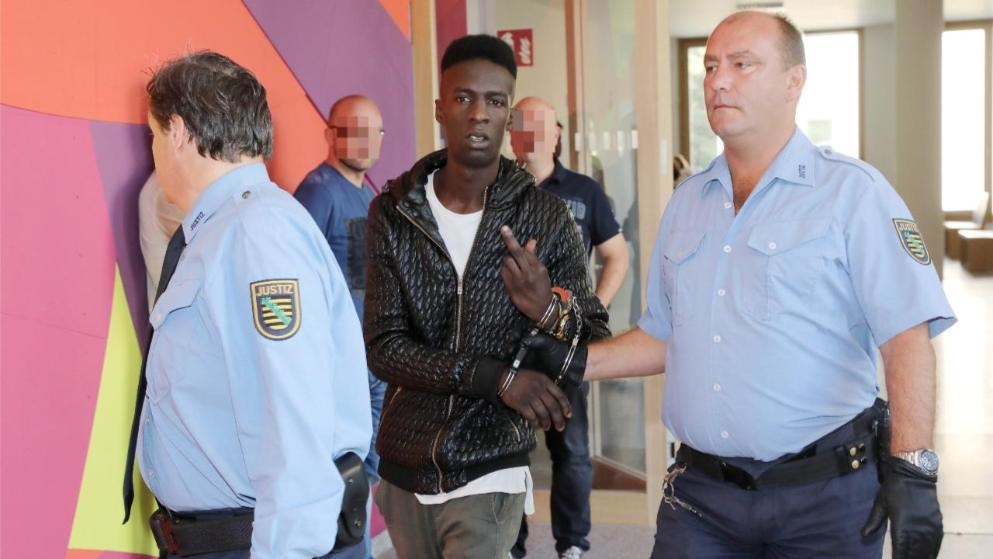 Behördenschreck Mohamed Youssef T – König der Abschiebungsverhütung - Mancinis Scharfblick
