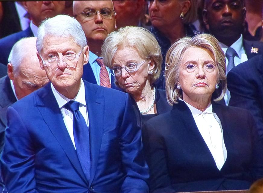 Die schreckliche Wahrheit über Bill Clinton, den »Lolita Express« und Jeffrey Epsteins wilde Sexpartys - Kopp Report