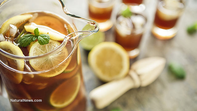 Man's kidneys fail after excessive daily iced tea consumption - NaturalNews.com