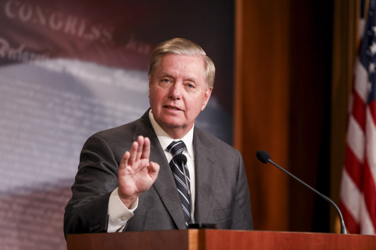 Graham Introduces Resolution to Condemn House Inquiry: 'Danger to the Future of the Presidency'