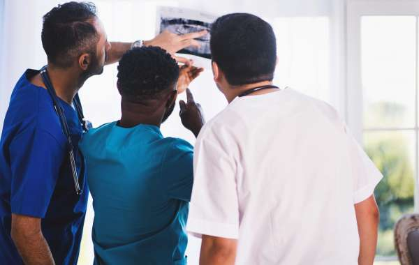 5 Things to Consider Before Choosing a Healthcare Industry Career