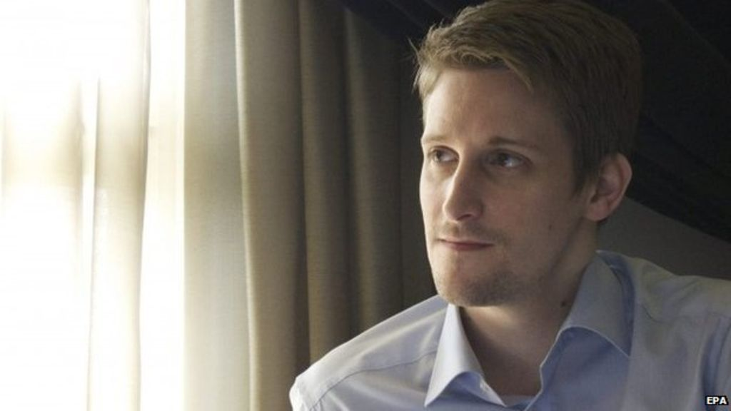 British spies 'moved after Snowden files read' - BBC News