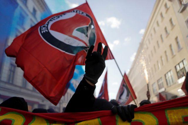 """Geil auf Bürgerkrieg: Linksextremisten rufen zum bewaffneten Kampf gegen """"Nazideutschland"""" auf"""