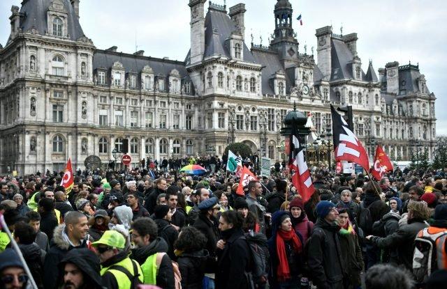 Dauerstreik in Frankreich: Wirtschaftsminister ruft Gewerkschaften zu Kompromiss auf