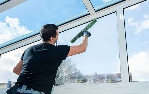 What Are The Advantages Of Commercial Window Cleaning Services?