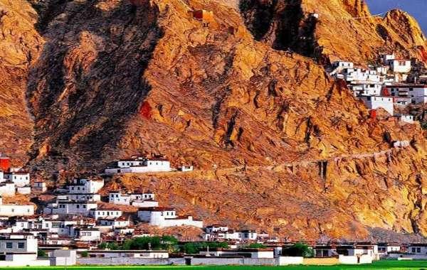 Shegar---the crstal fort in Tibet