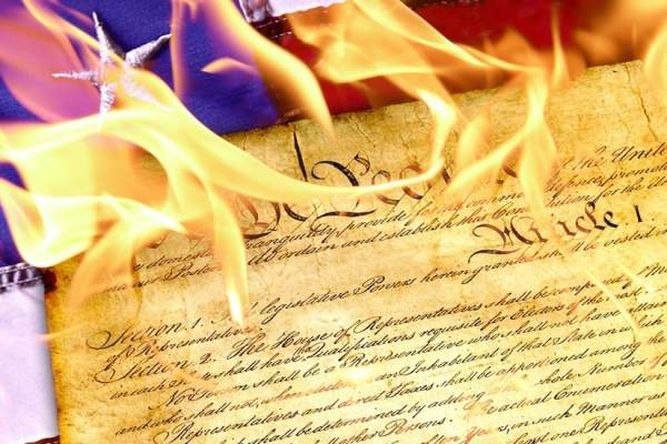 Wake up America! How Many Politicians Have Been Arrested for Violating the Constitution Vs. How Many People Arrested for Standing up for it?? – TCP News