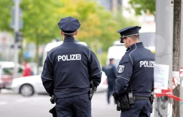 Thüringens Innenminister befürwortet Racial-Profiling-Studie | Zaronews
