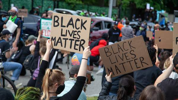"""BLM co-founder turns on white allies, calls white libtard supporters """"white supremacists"""" – NaturalNews.com"""