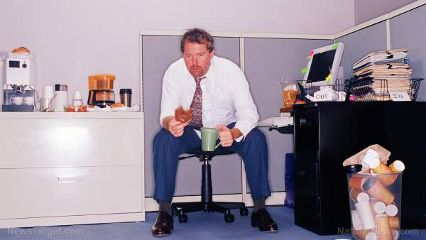 People who are easily triggered have troubled relationships with their jobs, study shows
