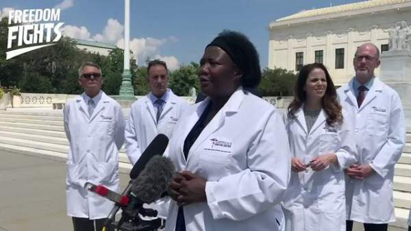 Frontline Doctors Address COVID-19 Misinformation with Supreme Court Steps Press Conference mirrored