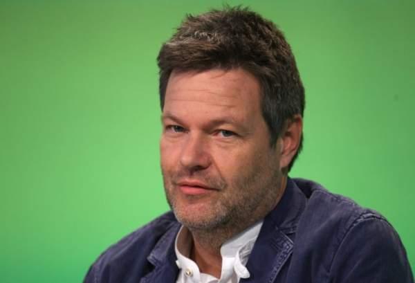 Habeck verteidigt Zustimmung der Grünen zu Sauenhaltungs-Kompromiss | Zaronews