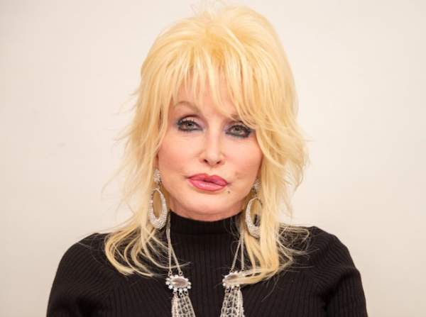 Dolly Parton Shames 'Little White Asses' For Not Supporting Back Lives Matter Race Riots – Def-Con News