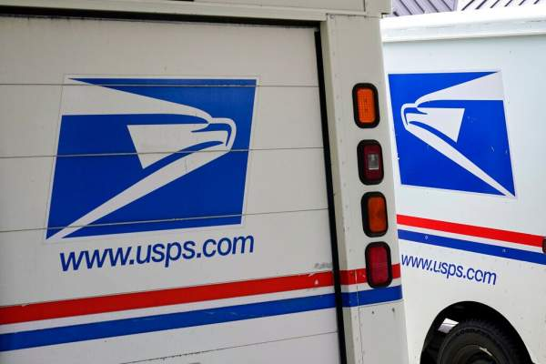 Chicago postal workers threaten to stop delivering mail after multiple employees shot on the job | Fox News