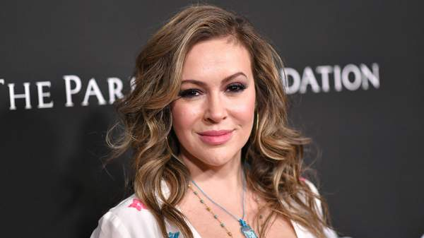 Alyssa Milano Sounds Alarm About Election Hacking – Variety