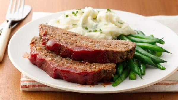 Easy and Delicious Slow Cooker Meatloaf