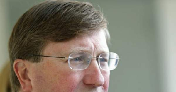 Gov. Tate Reeves Says Mississippi Wouldn't Comply with Biden Lockdown