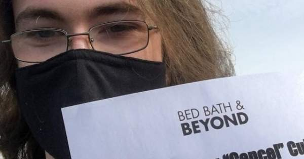 Conservative Activists Protest Bed Bath & Beyond for Canceling MyPillow