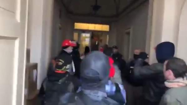 New Videos Show Police Opened Capitol Building For Protesters: 'I Disagree With It But I Respect You…' ⋆ 10ztalk viral news aggregator
