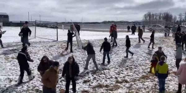 Video: Christians tear down fence around GraceLife Church - TheBlaze