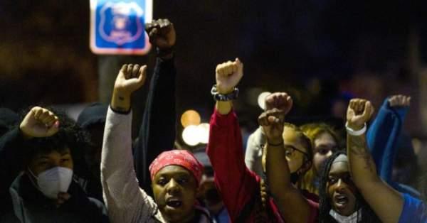 Nolte: Democrat-Run Portland and Minneapolis Are Burning ... Again
