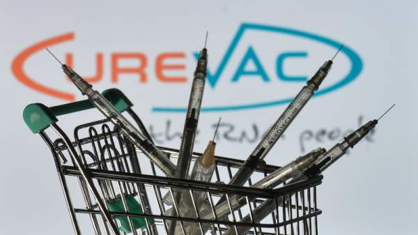 New Obstacle to EU Vaccine Rollout Emerges: CureVac Jab Misses Target, Only 47% Effective