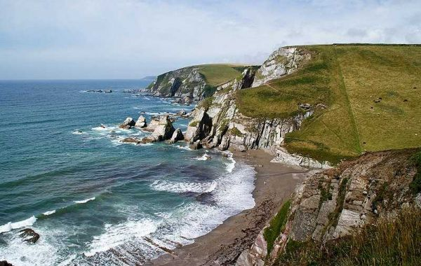 Beaches in England: 6 Amazing Places to Go this Summer