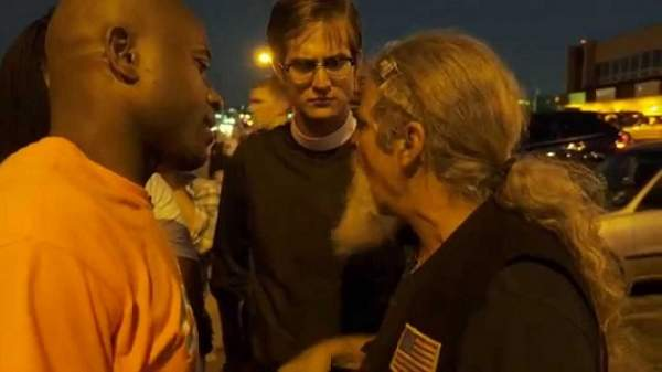 Watch Veteran Confront #BLM Thugs Doing THIS To American Flag...