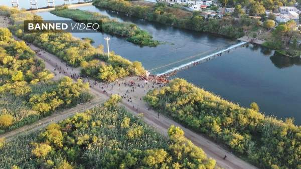 Exclusive: Drone Captures 2nd Huge Haitian Caravan Smashing Across Texas Border