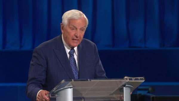 Socialism Is Tailor-Made for the Antichrist's Appearance - Topic: Socialism - Prophecy Experience - DavidJeremiah.org