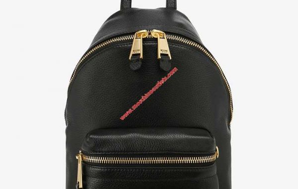 Hermes and Moschino Converse the Language of fashionable Folks