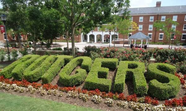 Rutgers Student Says He's Being Stopped From Taking Online Classes Because He's Unvaccinated