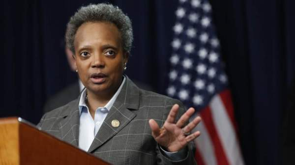 Lightfoot Says Chicago's Anti-Mandate Police Union Is Trying to 'Induce an Insurrection'
